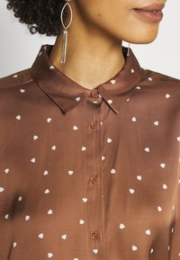 InWear - ROBERTAIW - Overhemdblouse - cinnamon small leaf - 4