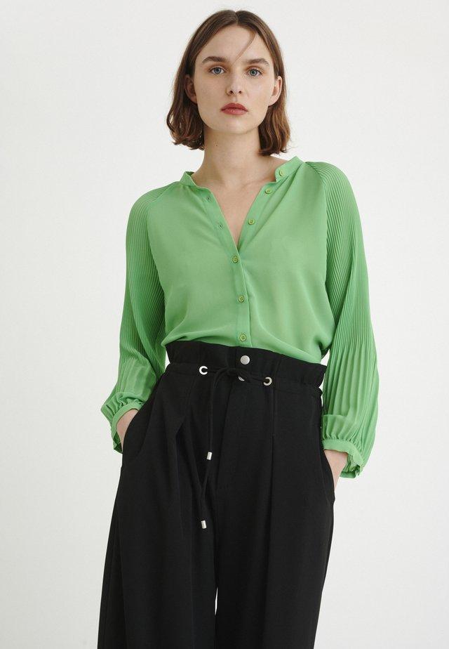 Button-down blouse - spring green