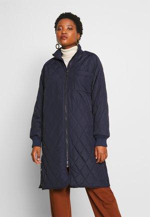 EKTRAIW QUILTED COAT - Classic coat - marine blue