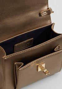Inyati - AMELIE - Bum bag - bronze metallic - 4