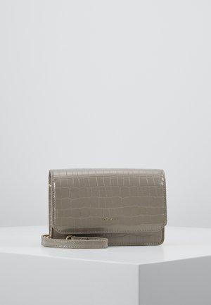 LOTTIE - Across body bag - taupe