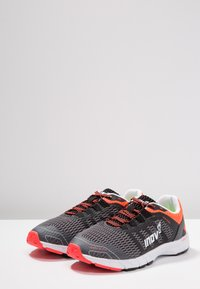 Inov-8 - ROADCLAW 240 - Chaussures de running - grey/coral - 2