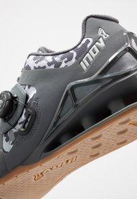 Inov-8 - FASTLIFT 400 BOA - Sportovní boty - grey - 5