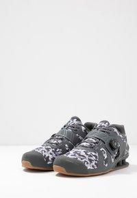 Inov-8 - FASTLIFT 400 BOA - Sportovní boty - grey - 2