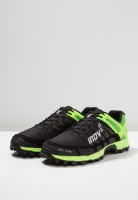 Inov-8 - MUDCLAW™ 300 - Løbesko trail - black/green - 2