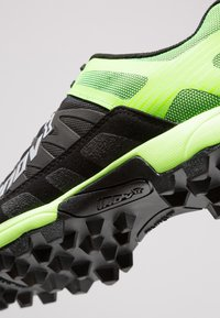 Inov-8 - MUDCLAW™ 300 - Løbesko trail - black/green - 5
