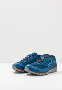 Inov-8 - TRAILTALON 290 - Obuwie do biegania Szlak - blue/grey - 2