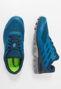 Inov-8 - TRAILTALON 290 - Obuwie do biegania Szlak - blue/grey