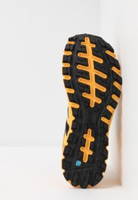 Inov-8 - TERRAULTRA 260 - Chaussures de running - yellow/black - 4