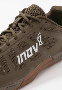 Inov-8 - F-LITE 235 V3 - Chaussures d'entraînement et de fitness - khaki - 5