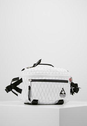 WAIST BAG ATTACH - Heuptas - white