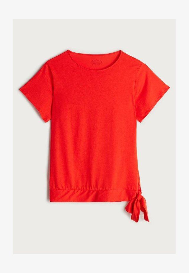 SHORT SLEEVE - Print T-shirt - rot - 394i - red orange
