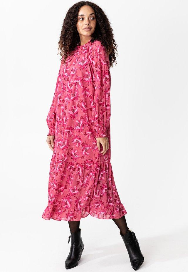 KIRA - Hverdagskjoler - pink