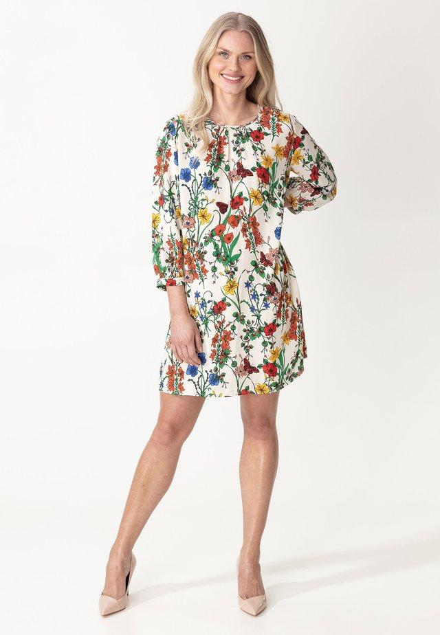 TILDA - Korte jurk - white