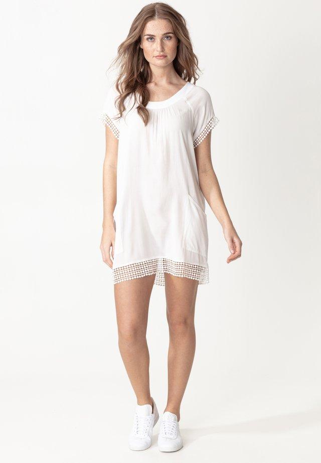 MARSHA - Robe d'été - white