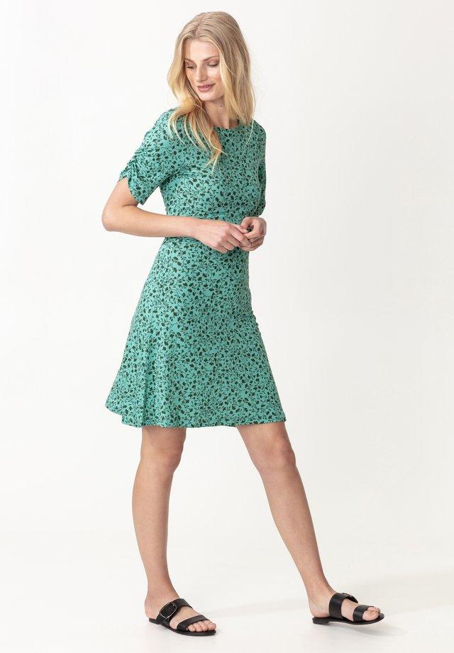 YAMINA - Korte jurk - green