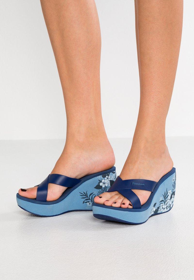 Ipanema - LIPSTICK STRAPS  - Heeled mules - blue