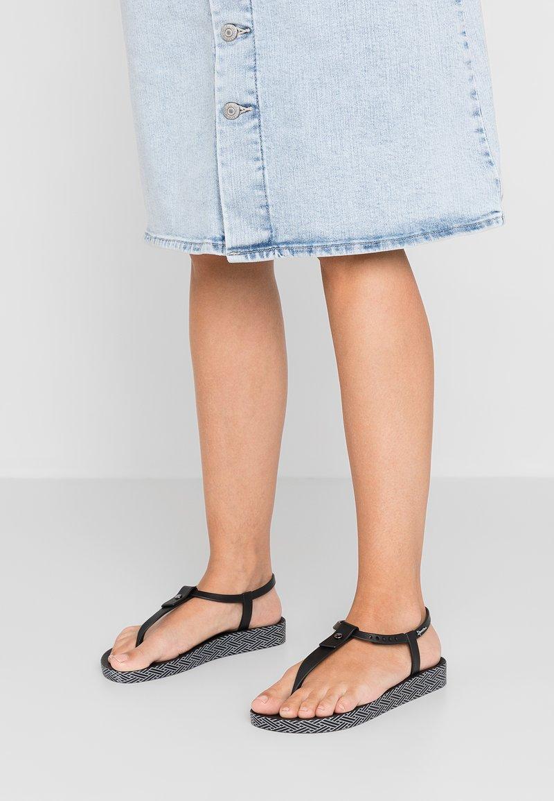 Ipanema - BOSSA SOFT  - T-bar sandals - black