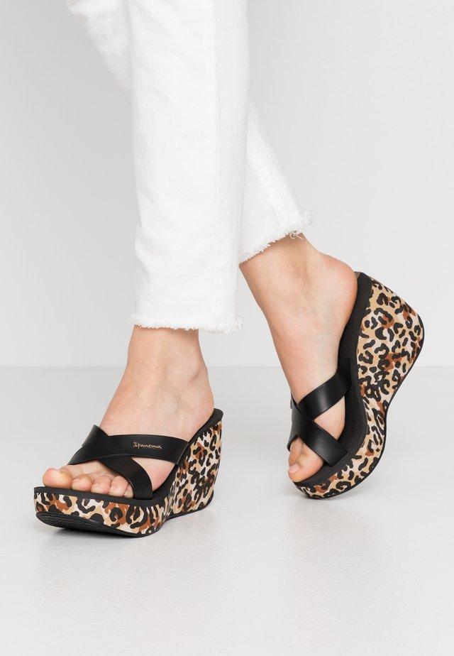 LIPSTICK STRAPS - Pantofle na podpatku - beige/black