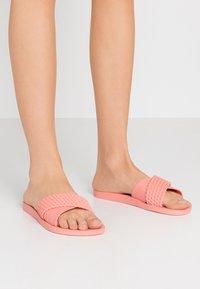Ipanema - STREET - Sandały kąpielowe - pink - 0