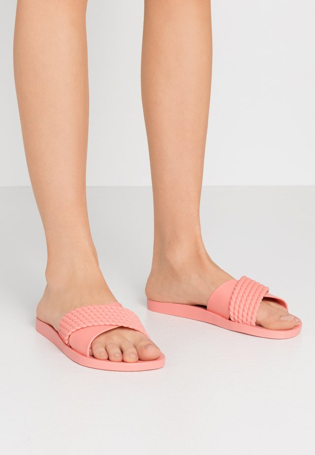 STREET - Sandály do bazénu - pink