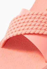 Ipanema - STREET - Sandały kąpielowe - pink - 2