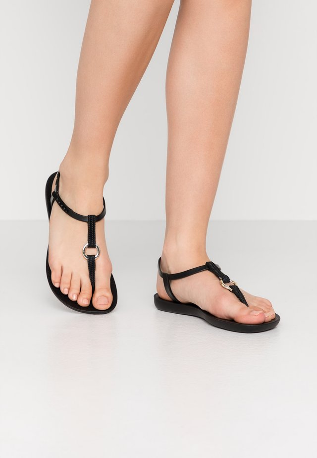 CHARM  - Sandales de bain - black