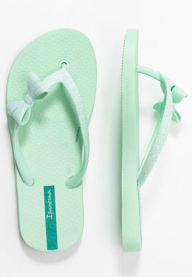 IPANEMA LOLITA IV KIDS - Sandály s odděleným palcem - green/green glitter