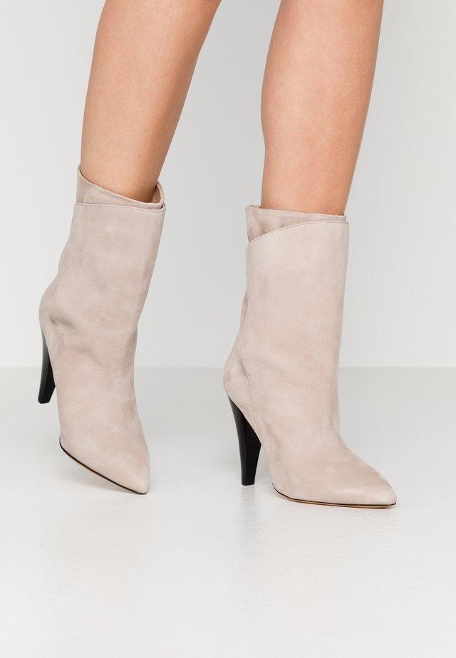 MARSA - Højhælede støvletter - blush pink