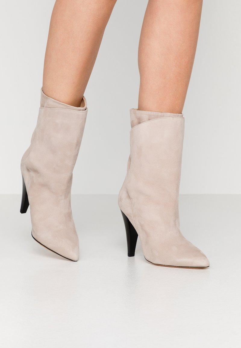 Iro - MARSA - Højhælede støvletter - blush pink