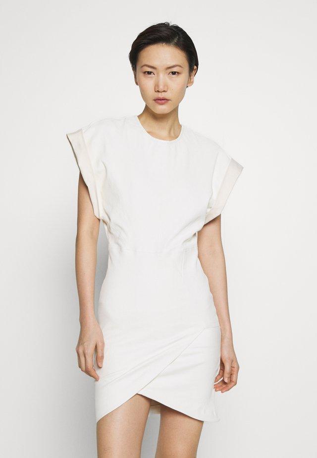 OTERMA - Fodralklänning - white