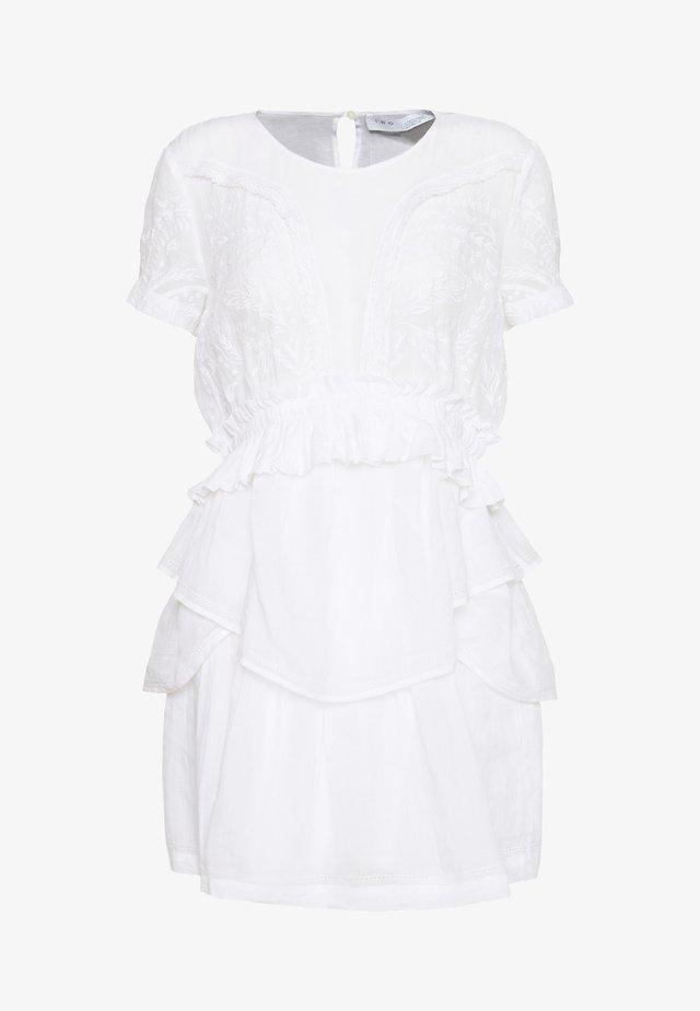 FIORE - Cocktailklänning - white