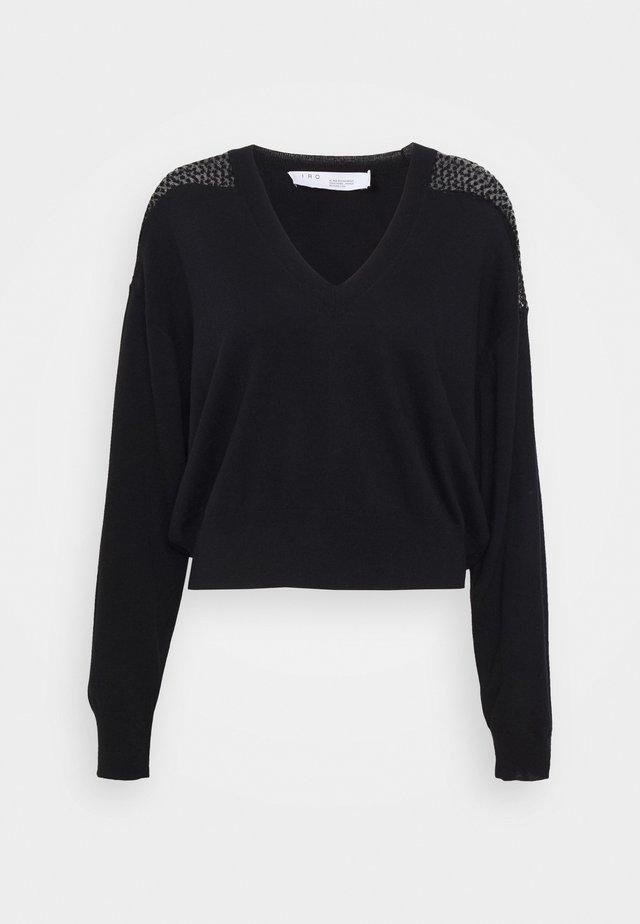 NABAS - Stickad tröja - black