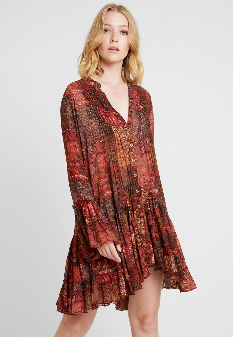 Isla Ibiza Bonita - Korte jurk - red