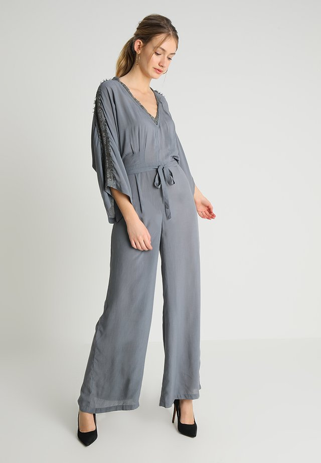 Overall / Jumpsuit /Buksedragter - antra