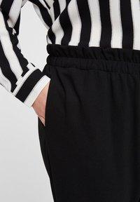 I.scenery - Spodnie materiałowe - black - 3
