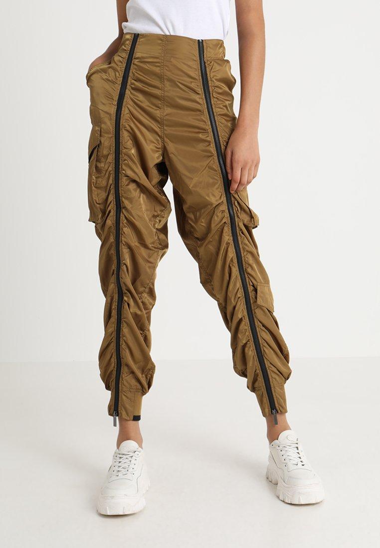 Ivy Park - MILITARY FLIGHT - Trousers - butternut