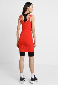 Ivy Park - BASEBALL LOGO BODYCON DRESS - Robe en jersey - fiery red - 2