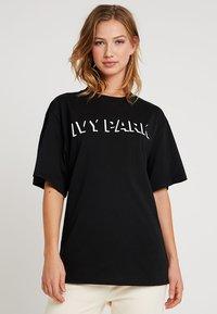 Ivy Park - LOGO TEE - T-Shirt print - black - 0