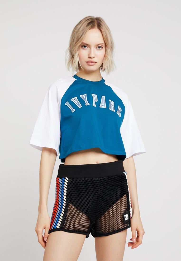 Ivy Park - BASEBALL LOGO CROP TEE - T-shirt imprimé - moroccan blue