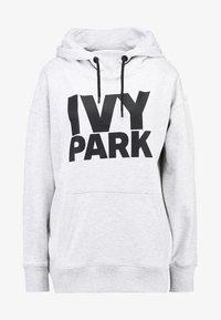 Ivy Park - PROGRAMME OH HOODY - Kapuzenpullover - light grey marl/black - 4