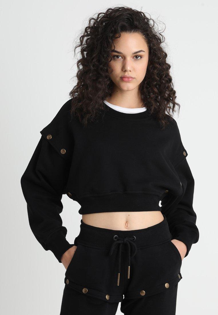Ivy Park - ARMOUR POPPERS CROP - Sweatshirt - black