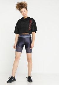 Ivy Park - CRAFT CROP TEE - T-Shirt print - black - 1