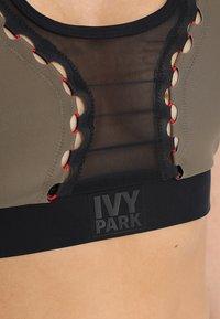 Ivy Park - LACE UP INSERT BRA - Sports bra - crocodile - 5