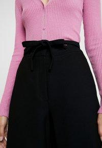 IVY & OAK - OCCASION WIDE PANTS - Pantalones - black - 5