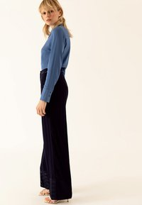 IVY & OAK - Pantalon classique - true blue - 3