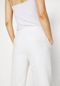IVY & OAK - Trousers - snow white - 4