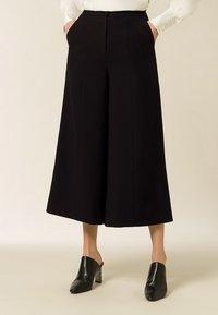 IVY & OAK - Pantaloni - black - 0