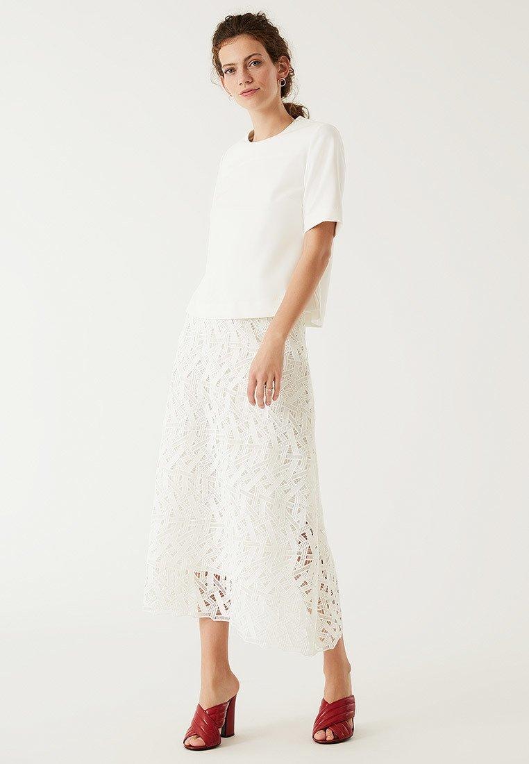 IVY & OAK - GRAPHIC SKIRT - Maxi skirt - snow white