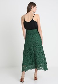 IVY & OAK - GRAPHIC SKIRT - Maxi skirt - eden green - 2